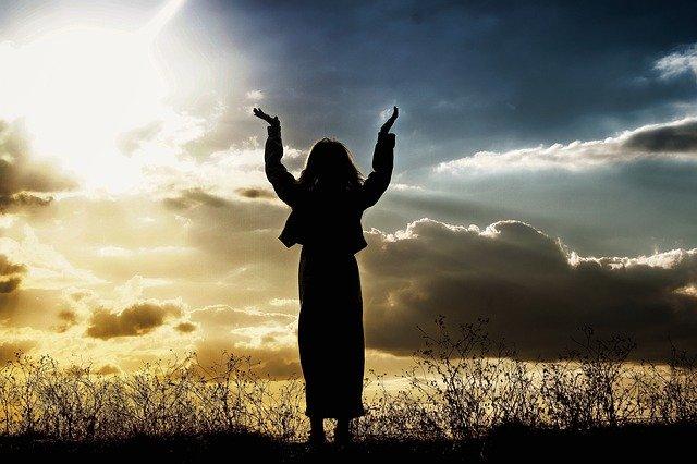 woman-worship_640